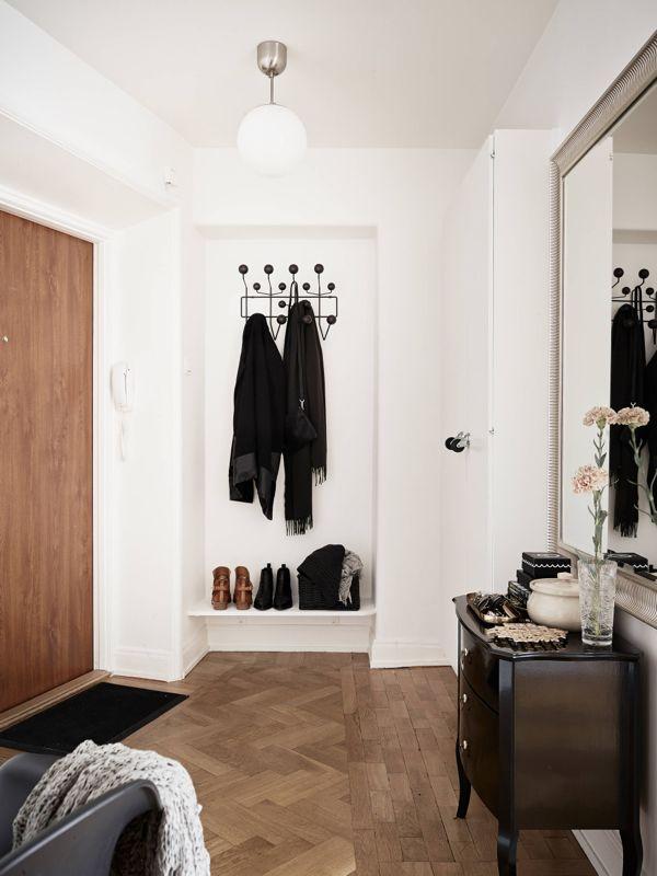 Feminin og rå bolig i 'nude' toner